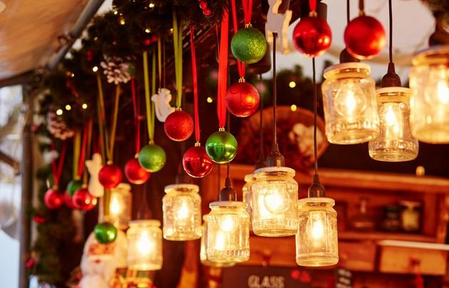 Decorations on a Parisian Christmas market-pdf